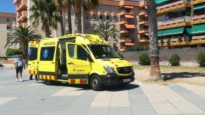 Una ambulància del SEM ha actuat al lloc dels fets.