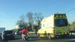 Una ambulància s'ha dirigit al lloc dels fets