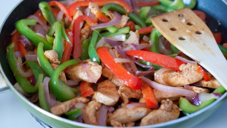 6 recetas con pollo fáciles de preparar y saludables