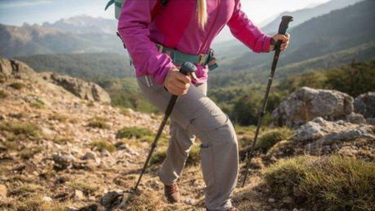 El bastó és de la marca Quechua i pot provocar caigudes