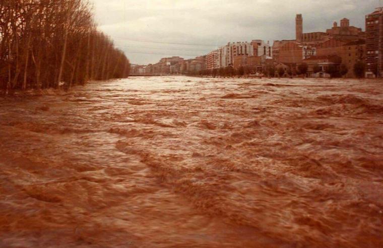 El riu Segre desbordat