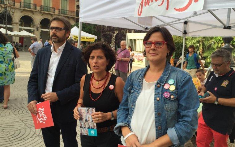 Prats, Villela i Alberich, a la plaça del Prim de Reus.