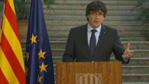 El president Puigdemont en la compareixença l'endemà de declarar la República catalana.