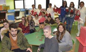Els alumnes d'Auxiliar en Vendes i Atenció al Públic de l'Institut Domènech i Montaner.