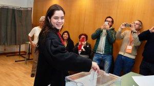 Imatge de Laura Sancho votant