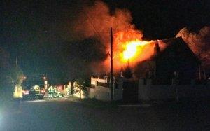 Imatge de l'incendi en el moment de més violència
