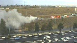 Incendi d'un camió a l'A-7