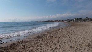 Les nenes estaven passant el dia a la platja Sant Pere a Vilafortuny