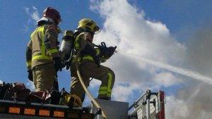 Un camió incendiat provoca fins a 5 quilòmetres de retenció a l'AP-7