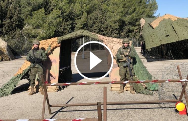 El campament militar a l'Aeroport de Reus.