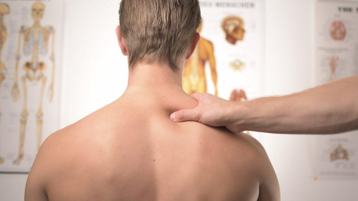 Cervicalgia (dolor cervical): qué es, causas, síntomas y tratamiento