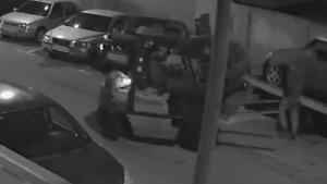 Captura de pantalla del moment que el lladre s'emporta el vehicle