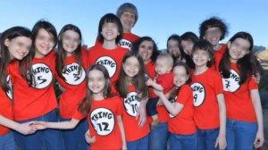 Imagen de David Allen Turpin y Louise Anna Turpin con sus 13 hijos