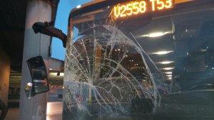 Imatge de l'estat en què ha quedat l'autobús.