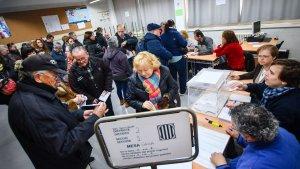 Imatge d'un dels punts de votació de Reus durant la jornada del 21-D.