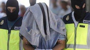 La Policia Nacional durant la detenció d'un terrorista