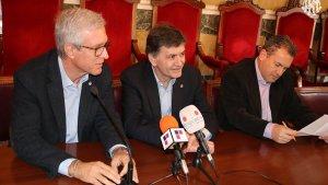 L'alcalde Josep Fèlix Ballesteros, el president del Nàstic Josep Maria Andreu i el responsable de l'organització de la competició, Juanjo Rovira