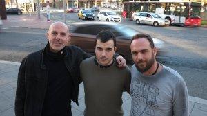 L'investigador de la URV, Àlex Arenas (a l'esquerra), amb els dos companys de la Universitat de Saragossa