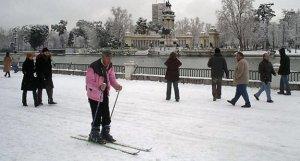 Nieve en el parque del Retiro de Madrid