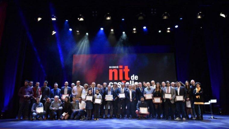 Una imatge amb tots els premiats a la Nit de Castells.