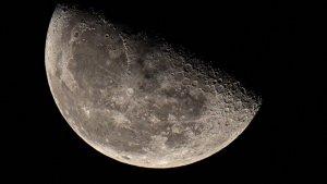 Algunos de los misterios más interesantes sobre la Luna no se han resuelto.