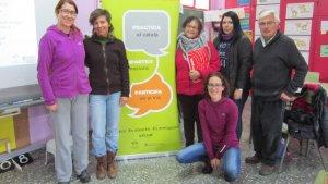 Diversos dels participants de les parelles lingüístiques de l'Aleixar.
