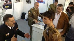 Estand de l'exèrcit espanyol a l'Espai de l'Estudiant de Valls.