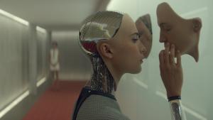 Ex Machina es una de las mejores películas de los últimos años sobre las repercusiones de las IA.