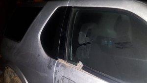 Imatge d'un dels cotxes atacats pels dos lladres.