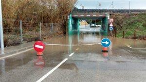 L'accés a la platja d'Altafulla ha quedat inundat aquest dilluns