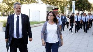L'alcaldessa Mendoza, en una imatge d'arxiu l'estiu passat, després de l'atemptat a Cambrils.