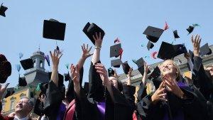 Las carreras universitarias que te llevarán a los trabajos mejor pagados.