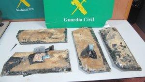L'home amagava a la seva maleta més de 3 kg d'heroïna
