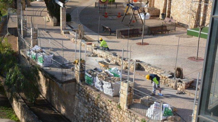 Comencen els obres de reconstrucció de la pèrgola del Parc de les Granotes