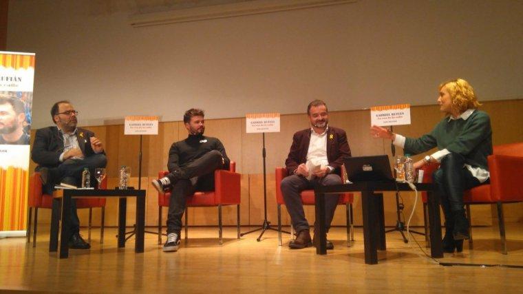 Gabriel Rufián a la presentació del llibre d'Igor Meltxor