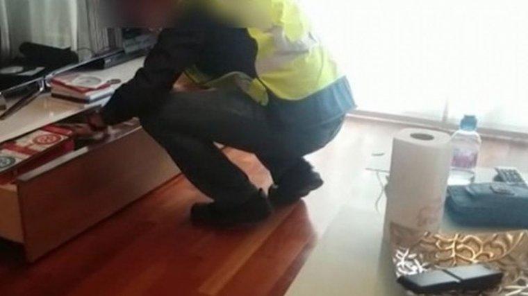 Imagen de la Guardia Civil registrando el domicilio del agresor