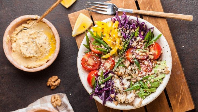 La dieta alcalina es beneficiosa para regular la acidez en nuestro cuerpo.