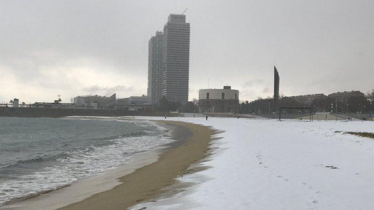 Imatge d'arxiu d'una nevada al litoral