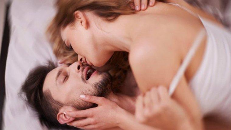 La sexsomnia afecta a hombres y mujeres por igual.