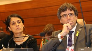 Carles Puigdemont i Anna Gabriel a la trobada del IDHC