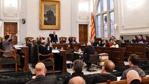 El plenari de Reus durant la sessió d'aquest mes de març