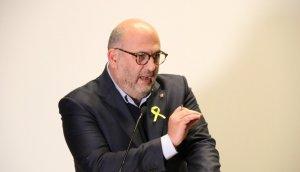 El portaveu de Junts per Catalunya, Eduard Pujol, durant la roda de premsa posterior a la reunió que el grup parlamentari ha mantingut a Brussel·les