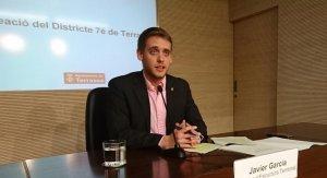 El regidor Javi García explicant la creació del Districte 7