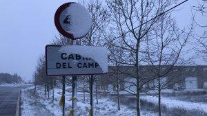 La neu també es fa notar a Cabra del Camp.