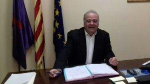 L'alcalde de Creixell, Jordi Llopart, al seu despatx a l'Ajuntament