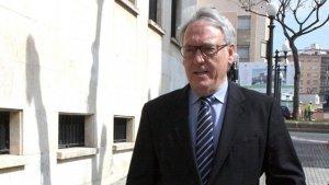 L'alcalde, Josep Poblet, entrant als jutjats de Tarragona.