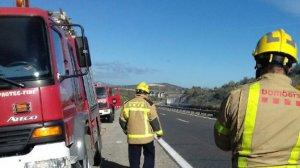 L'incendi ha afectat el trànsit de l'AP-7 a Amposta.