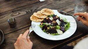 ¿Sabrías decir si es un plato vegano o vegetariano?