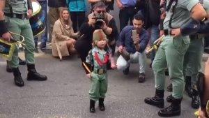 Yoel, el niño legionario de 3 años en su último acto de Semana Santa