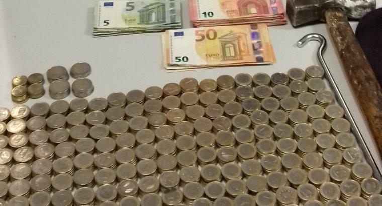 Imatge dels diners trobats a la motxilla del lladre
